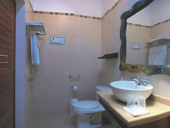 Badezimmerbeispiel Galapagos Suites