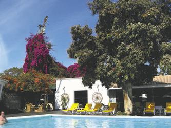 Poolbereich - Hotel Majoro