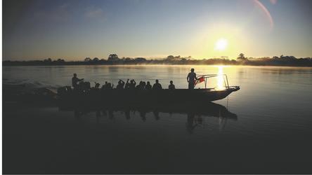 Peru Ausflug in der Dämmerung ©Jungle Experiences