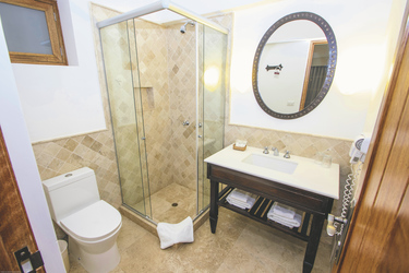 Badezimmerbeispiel Premium-Zimmer