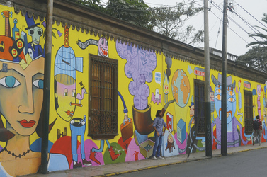 Straße mit Graffiti in Barranco