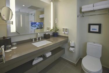 Standardzimmer Badezimmer (Beispiel), ©Bucuti & Tara Beach Resort