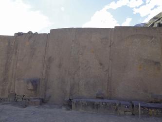 gigantische Steinquader in der Inkafestung Ollantaytambo