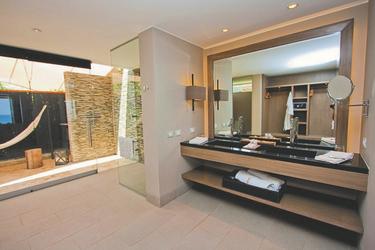 Badezimmerbeispiel Junior Villa