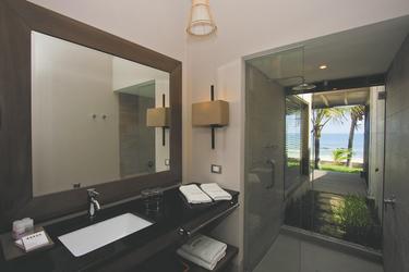 Badezimmerbeispiel Deluxe-Zimmer