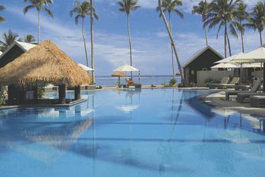 Pool im Resort
