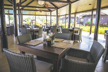 Im Restaurant (c) A. Crouchley, ©Polynesian Xplorer