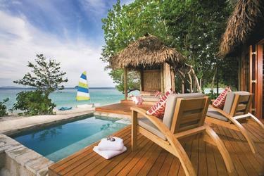 Strandbungalow mit Sonnendeck und Pool