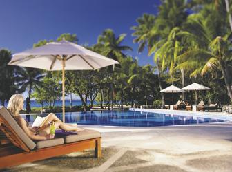 Pool im Yasawa Island Resort