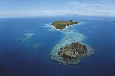 Vomo Island aus der Luft © C. Williams