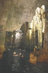 Sawa i Lau Höhle