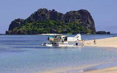Wasserflugzeug vor Vomo Island