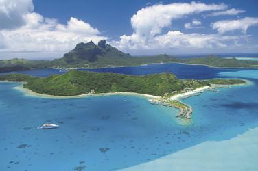 Bora Bora aus der Luft © T. McKenna