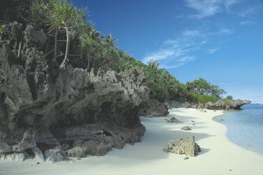 Strand auf Rurutu (c) J. Sekkaki, ©J. Sekkaki