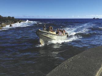 Longboat vor Pitcairn