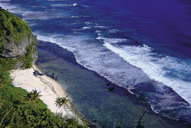 Küste von Rurutu (c) G. Diraimondo