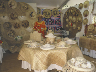 Hüte © Maison de la Culture, Mike Leyral, Karim Mahdjouba, Anapa Production
