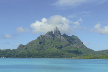 Bora Bora mit Mount Otemanu