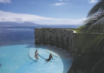Pool im Manava Tahiti © T. McKenna