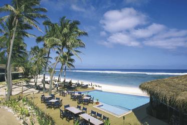 Restaurant, Pool und Strand