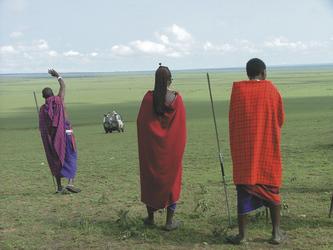 Männer vom Volk der Masai