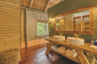 Das Badezimmer im Strandzelt, ©Mbali Mbali