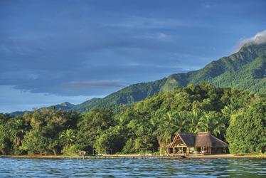 Die Lodge auf einer Halbinsel im Tanganyikasee, ©Mbali Mbali