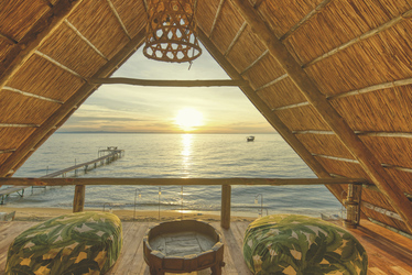Im Oberdeck der Lounge, ©Mbali Mbali