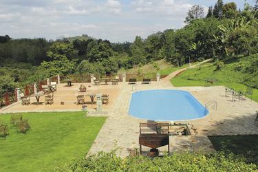 Garten der Endoro Lodge