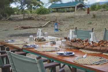 Dinner im Mdonya Camp