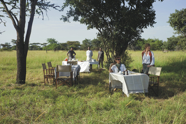 Picknickpause bei der Safari, ©Grumeti Hills