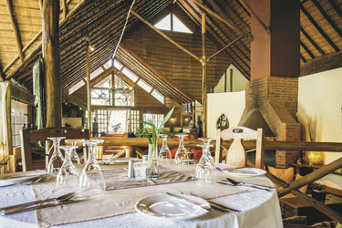Das Restaurant in der Arumeru River Lodge, ©Arumeru River Lodge