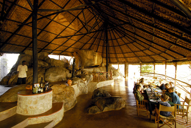 Lounge der Ruaha River Lodge