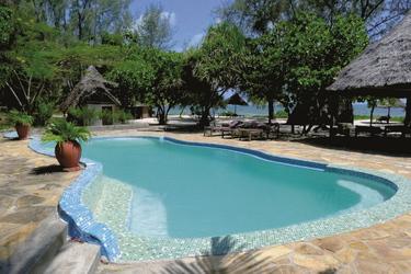 Pool im tropischen Garten, ©Bahari View Lodge