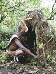 ©Great Lakes Safaris; Batwa im Bwindi Nationalpark