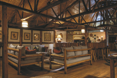 Die Lounge in der Buhoma Lodge