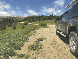 4x4 Fahrzeug auf dem Cumberland Pass in Colorado - ©Adventure Travel West