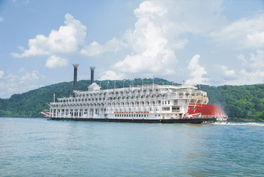 ©American Queen Steamboat Company