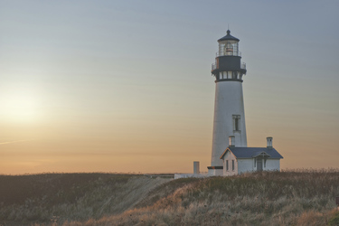 Yaquina Head Lighthouse (© Christian Heeb - TravelOregon)