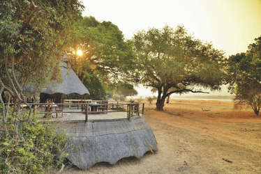 , ©Zambezi Cruise & Safaris