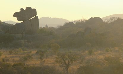 Sonnenaufgang im Matopo NP
